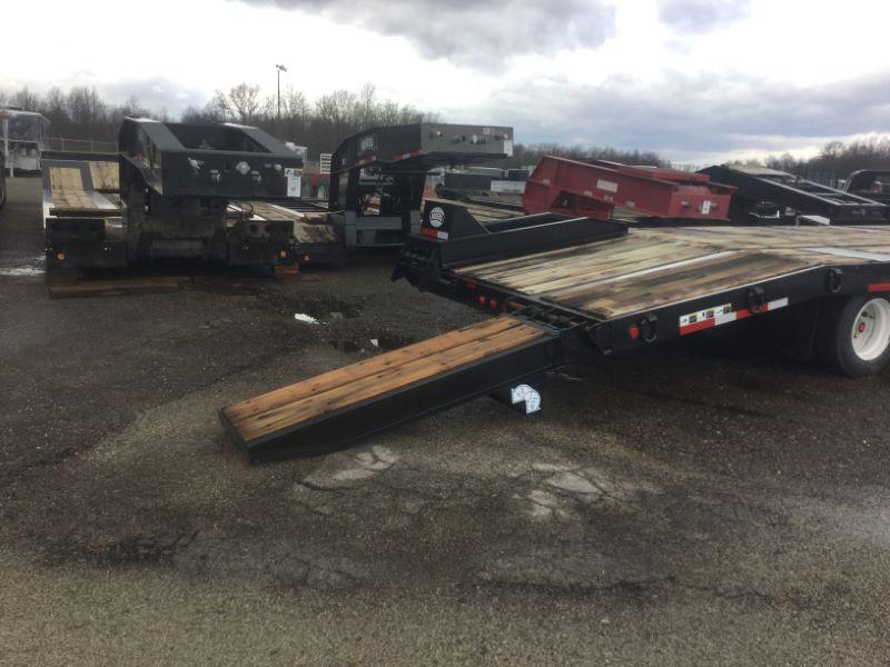 2017 Rogers Trailers TAG25-28/102/3XSP Equipment Trailer
