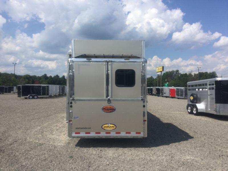 2017 Sundowner Trailers RS8415SL Horse Trailer
