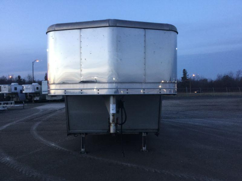 2005 Kiefer Built 8320LQ-SL Horse Trailer