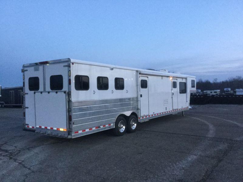 2005 Kiefer Built 8320LQ-SL Horse Trailer