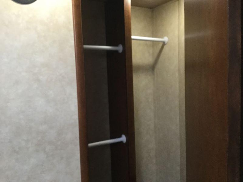 2018 Bison Trailers 8317PRRSL Horse Trailer