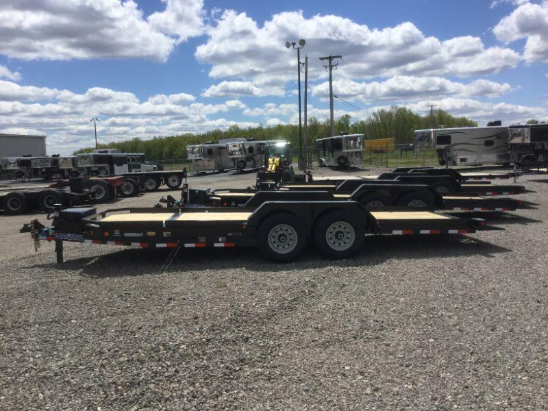 2017 Load Trail TL8322072 Equipment Trailer