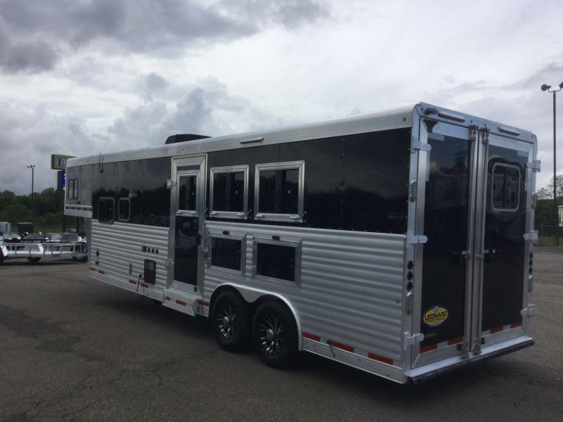 2017 Sierra 8310LQ Horse Trailer
