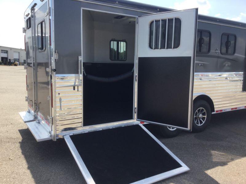 2018 Bison Trailers 8414RGRSL Horse Trailer