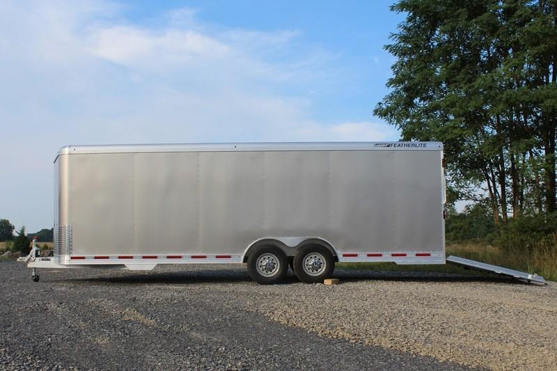 2017 Featherlite Trailers 4926 Car 24'