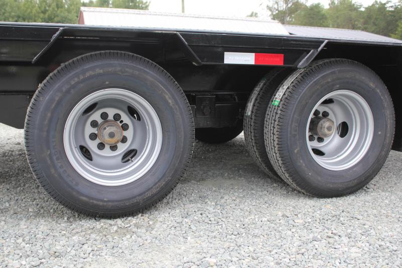 2020 PJ Low Pro 28ft PL Pintle Flatbed w/ Disc Brakes and Monster Ramps
