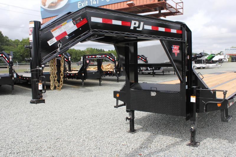 2020 PJ Trailers 40' LY Low Pro Gooseneck w/ Hydraulic Dovetail
