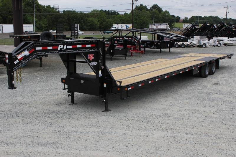 2020 PJ Trailers 40' LY Low Pro Gooseneck w/ Hydraulic Dovetail