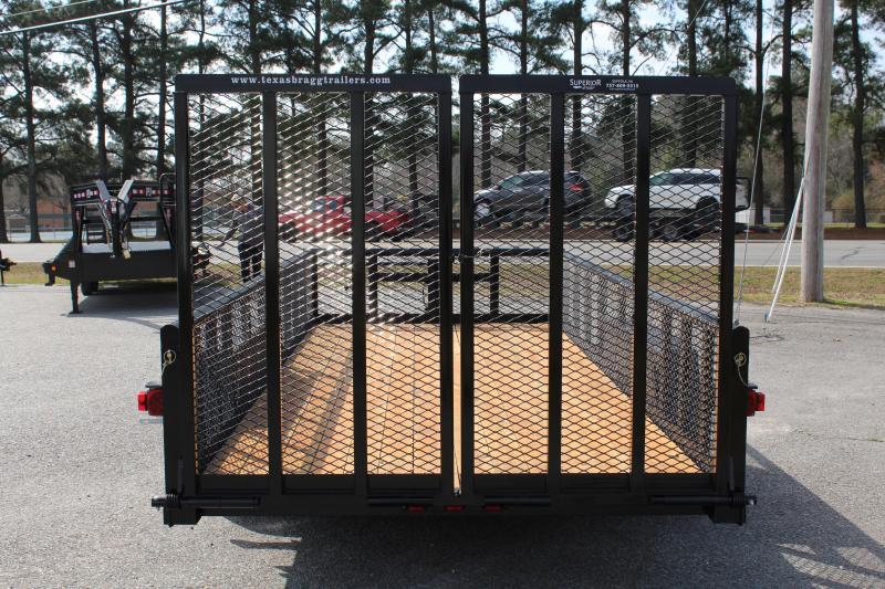 2018 Texas Bragg 18BP 10K w/ 2' Expanded Sides & Split Gate