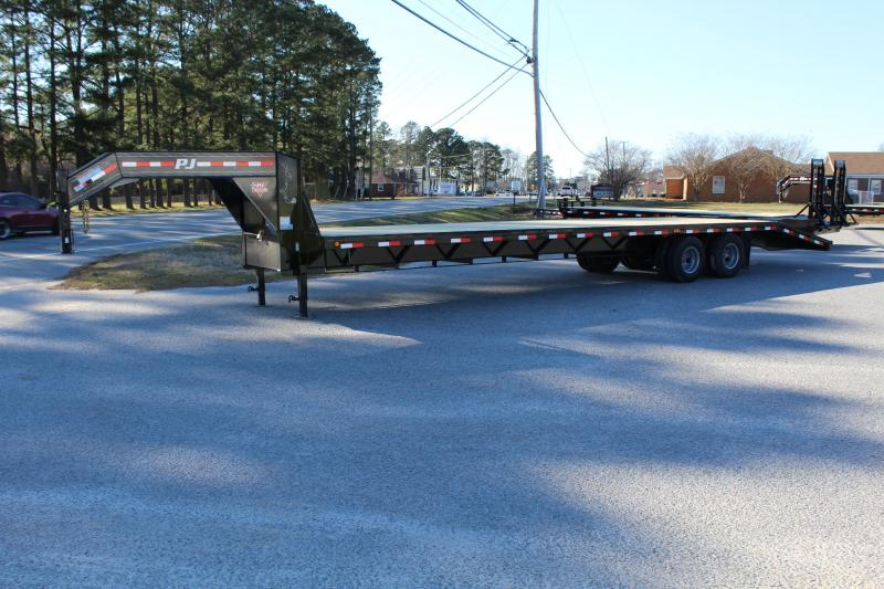 2020 PJ Trailers 35ft FD Gooseneck w/ Flip Over Ramps