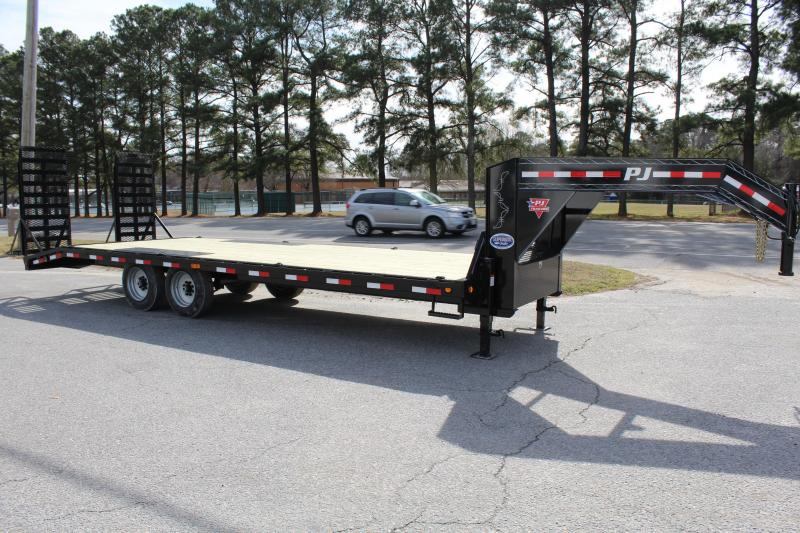 2019 PJ Trailers 24ft F8 16K Gooseneck Deckover w/Fold Up Ramps