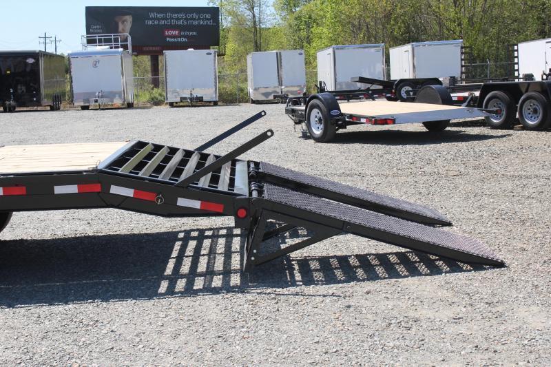 2019 PJ Trailers 24ft F8 16K Gooseneck Deckover w/Fold Up Ramps