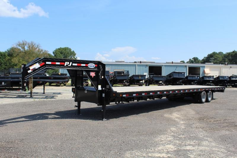 2019 PJ 40ft FD Gooseneck w/8' Slide In Ramps