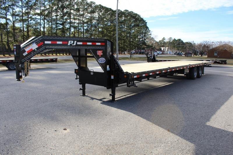 2019 PJ 38ft LY Low Pro Gooseneck w/ Hydraulic Dove