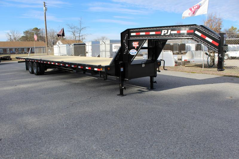 2019 PJ 38ft LY Low Pro Gooseneck w/ Hydraulic Dove