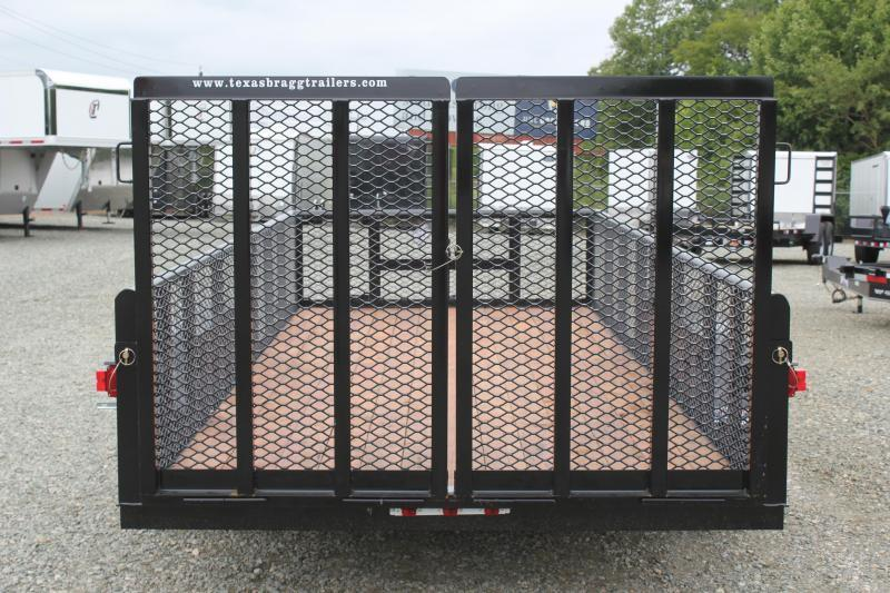 2018 Texas Bragg Trailers 16P w/ 2' Expanded Sides & Split Gate