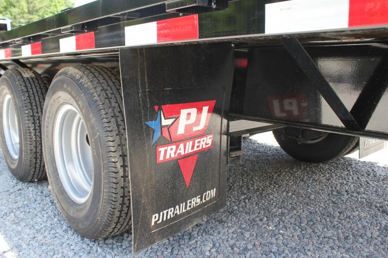 2019 PJ Trailers 36ft FD 24K Equipment Trailer w/Flip-over Monster Ramps
