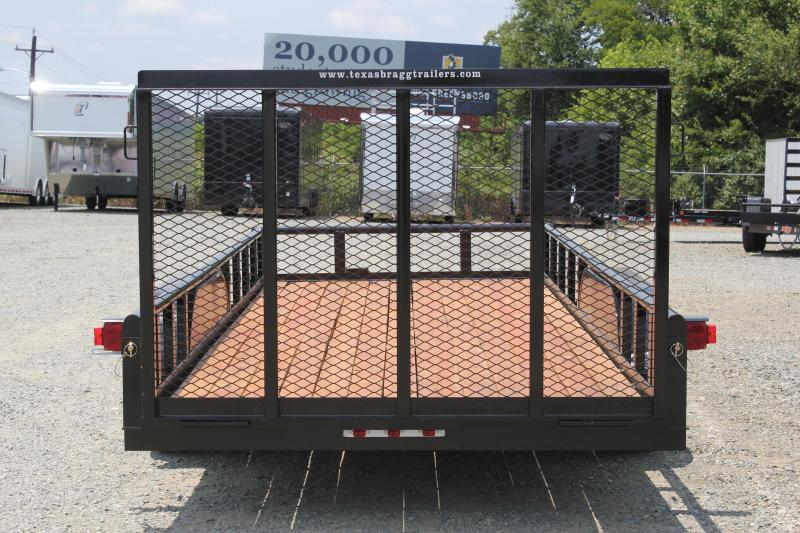 2019 Texas Bragg Trailers 18P w/ 4ft Gate