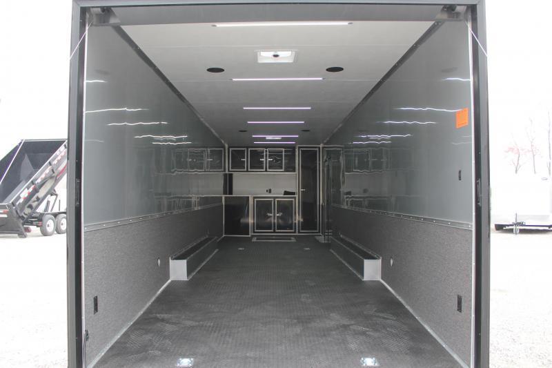 2019 Continental Cargo 8.5X32 18K Black Out Pkg