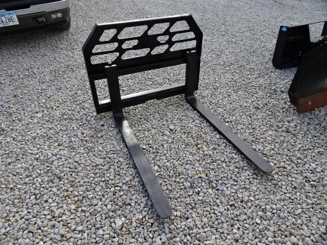 "New Loflin Fabrication 48"" Pallet Forks 4000#"