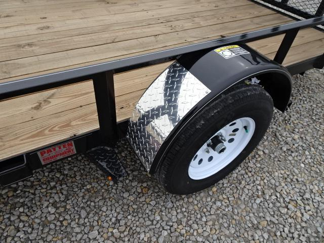 New H&H 82'x14 W / Side Ramps