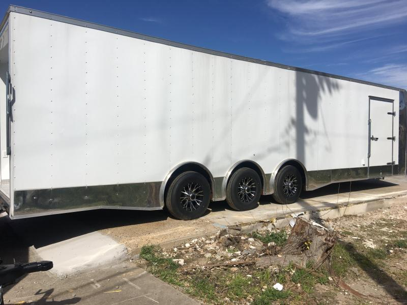 2018 8.5x32 Enclosed Race Car Trailer