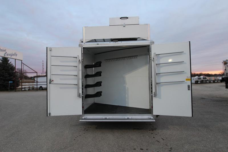 2019 Sundowner Trailers 5HR 16 LQ Full Rear Tack Horse Trailer
