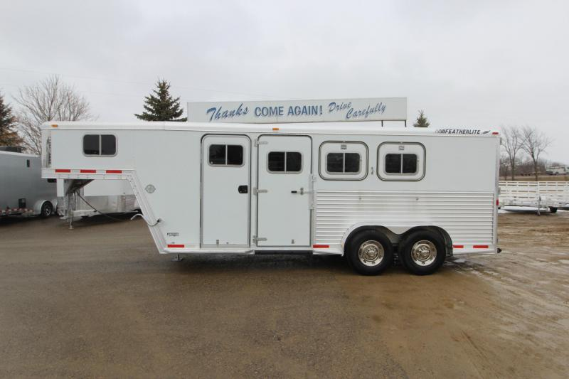 1999 Featherlite 3HR GN Horse Trailer