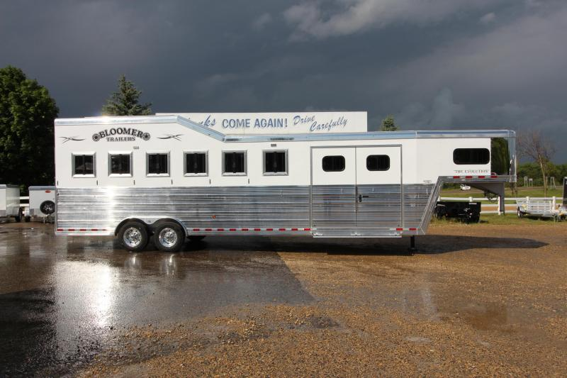 2020 Bloomer 6HR GN Trainer Horse Trailer