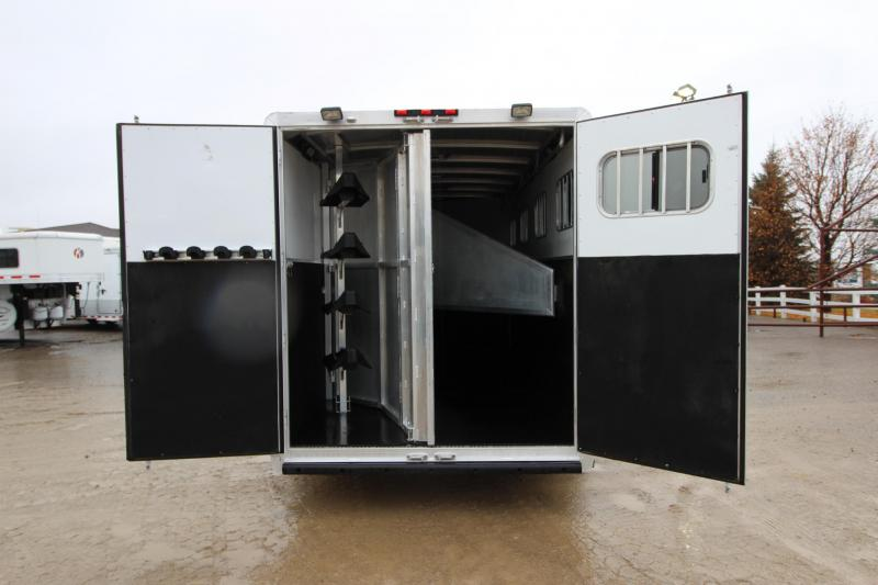 2011 Exiss Trailers 4HR GN Horse Trailer