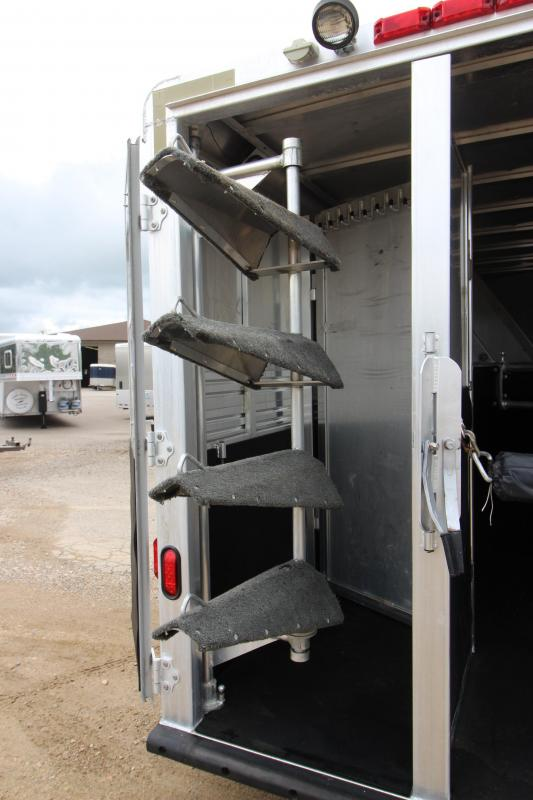 1998 Barrett Trailers 4HR GN Horse Trailer