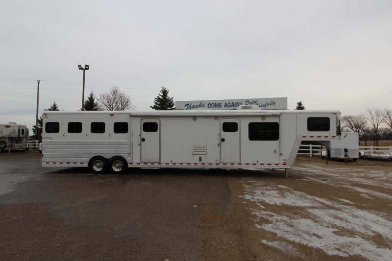 2005 Kiefer Built 4HR 17 LQ MT Horse Trailer