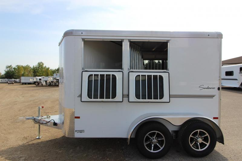 2018 Sundowner Trailers Sportman 2HR BP Horse Trailer
