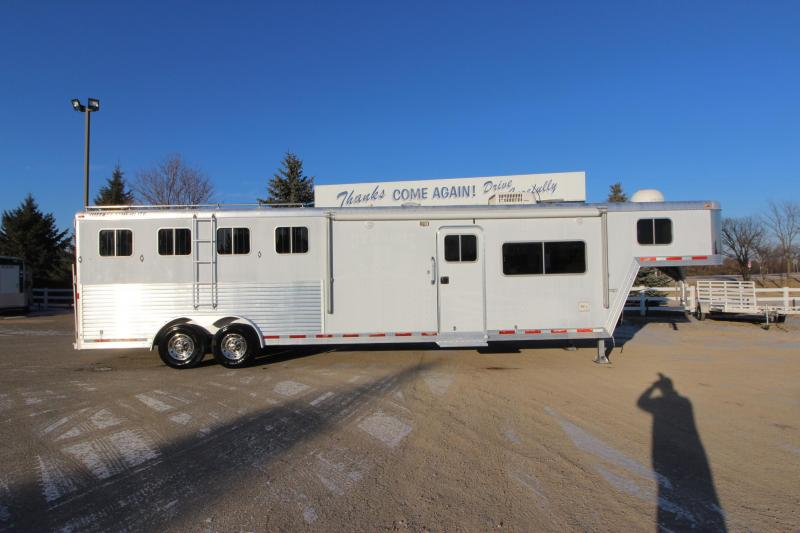 2003 Featherlite 4HR 13 LQ Horse Trailer