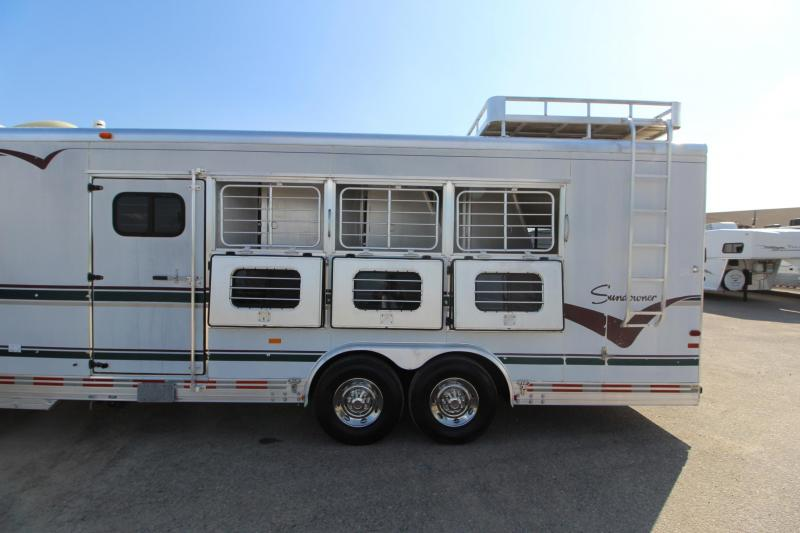 1997 Sundowner Trailers 4HR 12.5 LQ Slide Horse Trailer