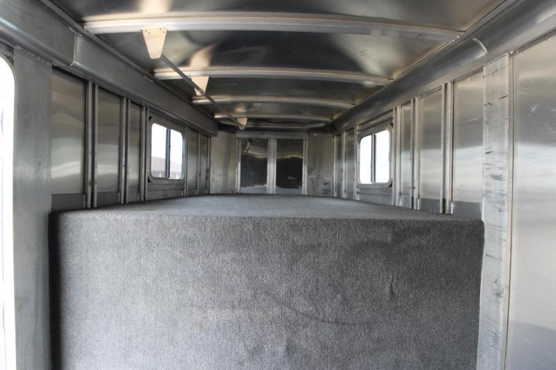 2004 Featherlite 4HR GN Horse Trailer