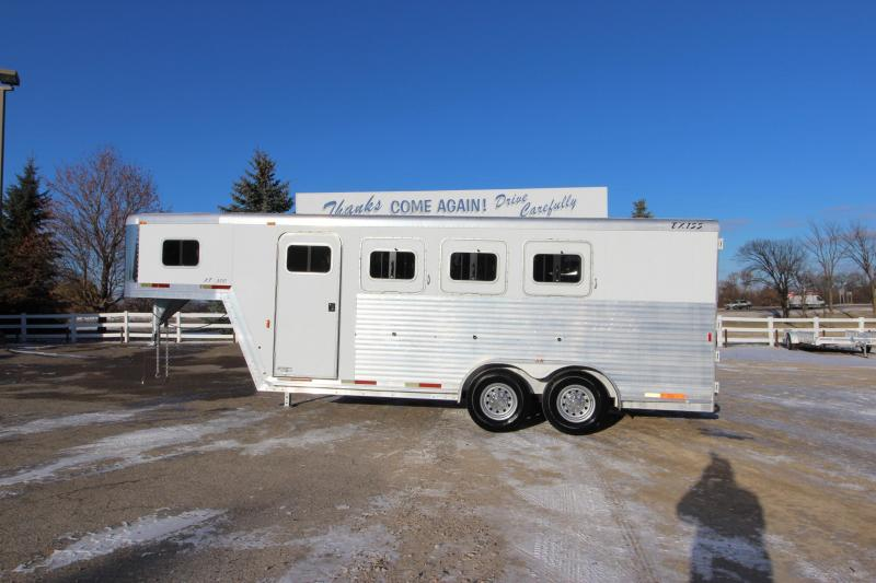 2002 Exiss Trailers 3HR GN Horse Trailer