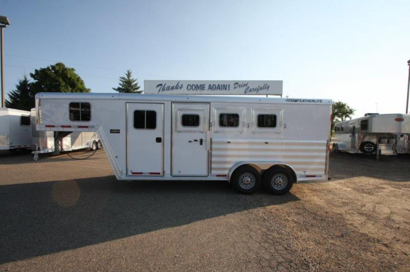 2016 Featherlite 3 horse slant gooseneck
