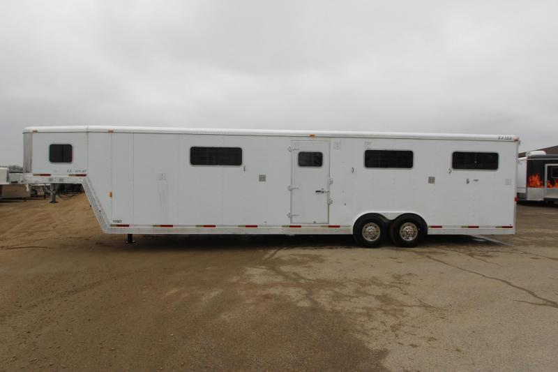 2002 Exiss Trailers 6HR H2H GN Horse Trailer