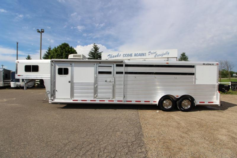 2009 Platinum Coach 5HR Stock/Combo Weekender Horse Trailer in Ashburn, VA