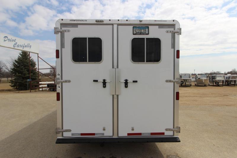 2015 Featherlite 85813HR GN 13.5 LQ Horse Trailer