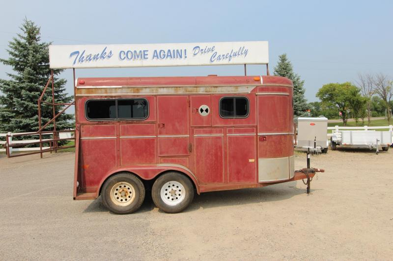 1992 W-W Trailer 2HR Straight Load BP Horse Trailer