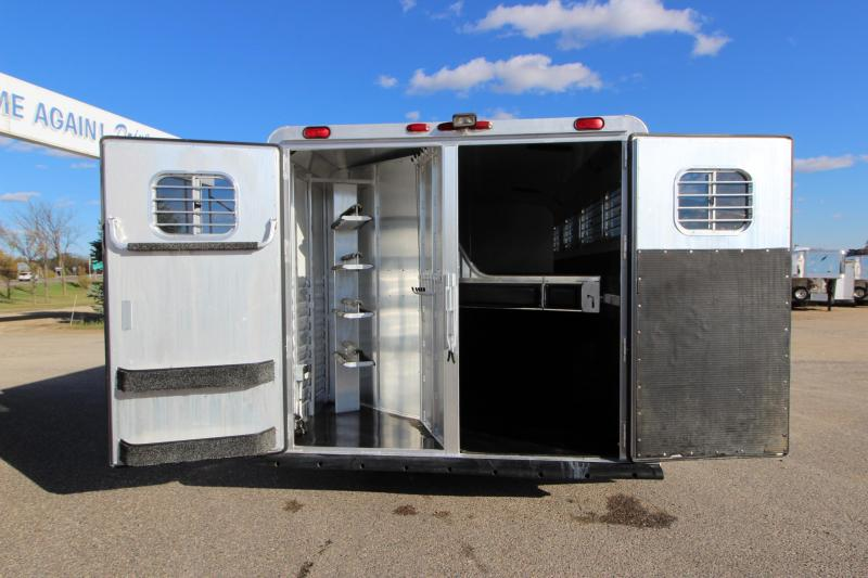 2002 4-Star Trailers 4HR GN 12 LQ Horse Trailer