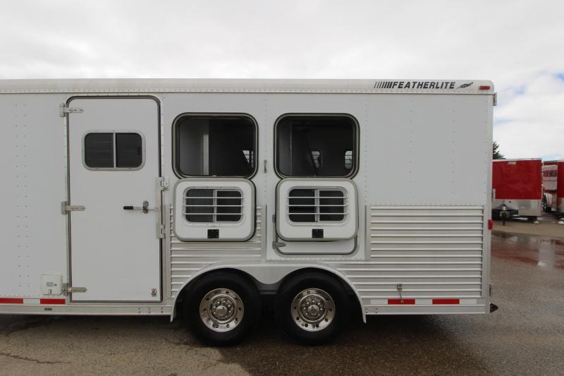 2001 Featherlite 3HR 13 LQ Horse Trailer