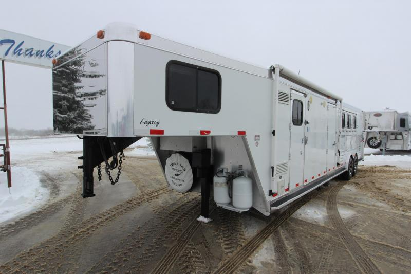 2003 Integrity Trailers 3HR LQ MT Horse Trailer