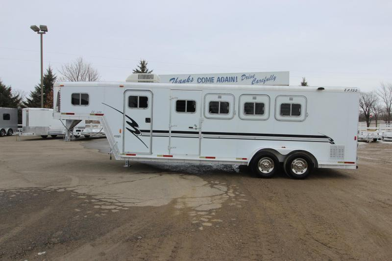 2000 Exiss Trailers Event SS400 4HR 4' D/R Horse Trailer