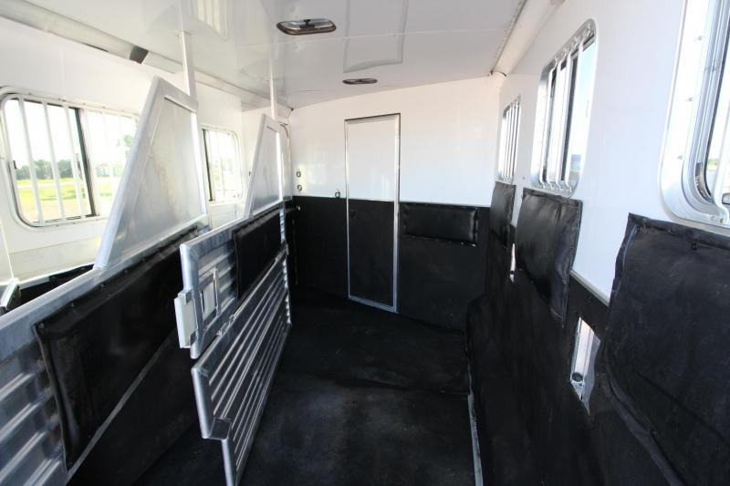 2009 Featherlite 3HR GN with 15' LQ Horse Trailer