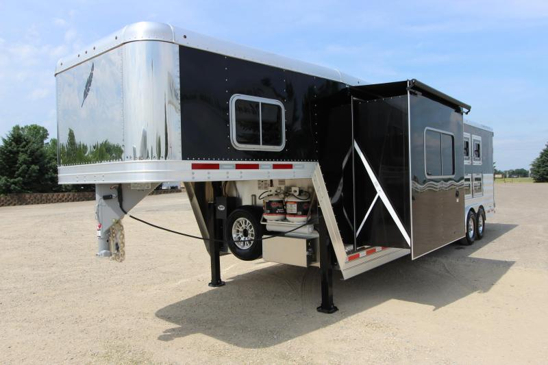 2018 Featherlite 8582 3HR GN with 11 LQ w/slide out Horse Trailer