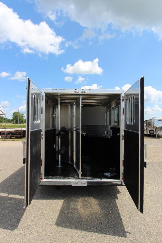"2020 Featherlite 9409 2HR 24"" D/R BP Horse Trailer"