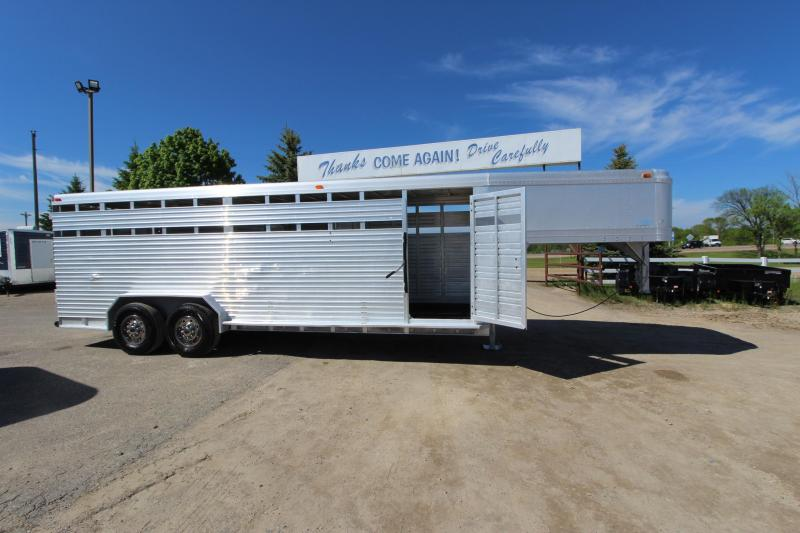1986 Featherlite 22 GN Livestock Trailer in Ashburn, VA